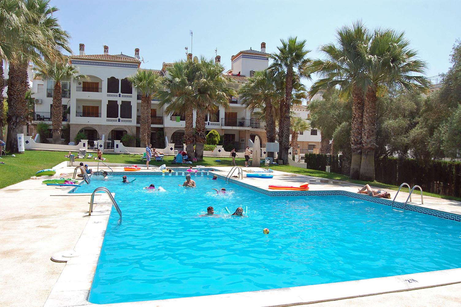 Villamartin Plaza Communal Pool