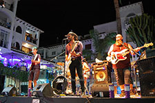 The Streeters Villamartin Plaza Orihuela Costa Blanca Spain live outdoor concert music entertainment 2017