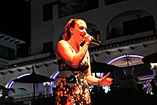 Rebecca Holt Villamartin Plaza Orihuela Costa Blanca Spain live outdoor concert music entertainment 2017