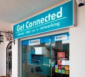 Get Connected Villamartin Plaza